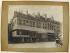 """Anonyme. Rue de la Monnaie. """"Vue des magasins de la Samaritaine, rue de la Monnaie, 1er arrondissement, Paris"""". en 1898-1898. Paris, musée Carnavalet. © Musée Carnavalet / Roger-Viollet"""