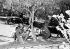 Emeutes au Mexique contre le gouvernement du président Ordaz. Les soldats surveillentles bâtiments autour de la place Tlatelolco, où une émeute eut lieu la veille, entre étudiants et forces de l'ordre. Plus de 20 morts, 500 blessés et des centaines d'arrestations ont été déclarés. Ces troubles ont jeté une ombre sur les Jeux olympiques de 1968 qui devaient ouvrir le 12 octobre. Mexico (Mexique), Tlatelolco Plaza, 3 octobre 1968. © TopFoto / Roger-Viollet