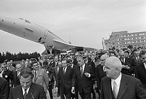 Maiden flight of the Concorde, supersonic passenger airliner. Georges Pompidou (1911-1974), President of the French Republic, and Michel Debré (1912-1996), Minister of Defence. Toulouse (France), on October 1st, 1969. © Jacques Cuinières / Roger-Viollet