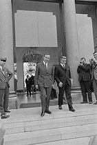 """May-June 1968 events. Meeting of the French Council of Ministers announcing a cabinet reshuffle. Michel Debré (1912-1996), Minister of Economy and Finance, and Robert Boulin (1920-1979), Secretary of State of Economy and Finance. Paris (VIIth arrondissement), Matignon, on May 30, 1968. Photograph by Jacques Boissay, from the collections of the French newspaper """"France-Soir"""". Bibliothèque historique de la Ville de Paris. © Jacques Boissay / Fonds France-Soir / BHVP / Roger-Viollet"""