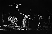 """The Woman without a Shadow"" (Die Frau ohne Schatten), opera by Richard Strauss. Direction : Nikolaus Lehnoff. Conductor : Karl Böhm. Stage design and costumes : Joerg Zimmermann. Walter Berry and Christa Ludwig. Paris, Opéra Garnier, October 1972. © Colette Masson / Roger-Viollet"