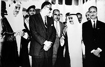 PALUPI. General. Mono Negative. Khartoum , SudanPictured at the end of the second session of the eight-nation Arab Summit meeting are left to right : King Faisal of Saudi Arabia ; U.A.R. President Gamal Abdel Nasser ; Yemeni President Abdullah al Sallal ; Kuwaiti ruler Es Sabah and Iraq 's President Aref . After the meeting it was announced that Nasser and King Faisal had agreed to a plan to end the war in the Yemen . Three Arab countries - Iraq , Morocco and Sudan - were named to police the agreement .30 August 1967. 19670830. © TopFoto / Roger-Viollet