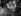 Yasser Arafat (1929-2004), activiste et homme d'État palestinien, leader de l'Organisation de libération de la Palestine, prononçant un discours lors des Accords d'Oslo. Derrière lui : Yitzhak Rabin (1922-1995), Premier ministre israélien, et Bill Clinton (né en 1946), président des Etats-Unis. Washington D.C. (Etats-Unis), 15 septembre 1993. © Ullstein Bild / Roger-Viollet