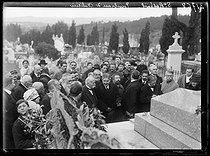 "Georges Clemenceau (1841-1929), French statesman, during a ceremony at the tomb of Joseph Gallieni (1849-1916), French General. Saint-Raphaël (France), on January 1st, 1920. Photograph from the collections of the newspaper ""Excelsior"". © Excelsior – L'Equipe / Roger-Viollet"