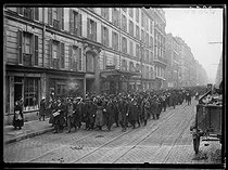 "Railwaymen strike : back to work, on March 1st, 1920. Photograph from the collections of the newspaper ""Excelsior"". © Excelsior – L'Equipe / Roger-Viollet"