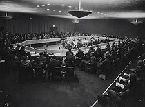 xenophon. TopFoto.co.uk. Mono Print. International Organisations - Security Council - 1947 - Palestine. 1947. © TopFoto / Roger-Viollet