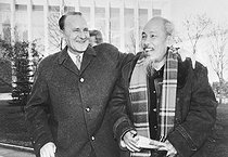 JANOS KADAR WITH HO CHI MINH EMBRACE AT CONFERENCE IN MOSCOW / 18 OCTOBER 1961. 00000000. © TopFoto / Roger-Viollet