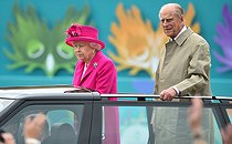 pa-news-20160612-144407-royal_birthday_144163.jpg. Dominic Lipinski. Queen's 90th birthday celebrations. Queen Elizabeth II and the Duke of Edinburgh arrive at the Patron's Lunch in The Mall, central London in honour of the her 90th birthday, in an open topped Range Rover. 20160612. © Dominic Lipinski / PA Archive / Roger-Viollet