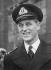 Le prince Philip Mountbatten (né en 1921), en uniforme d'officier de la Royal Navy, peu avant l'annonce de ses fiancailles avec la princesse Elisabeth d'Angleterre, 9 juillet 1947. © PA Archive / Roger-Viollet