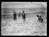 """excelsior. Scène de baignade sur la plage de Deauville (Calvados). Samedi 13 août 1921. Photographie du journal """"Excelsior"""". 19210813. © Excelsior – L'Equipe / Roger-Viollet"""