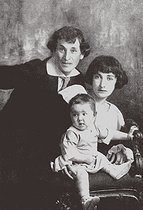 Fine Art Images. Marc Chagall with his first wife Bella and Daughter Ida. © TopFoto / Roger-Viollet