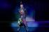 Arturo Brachetti (né en 1957), artiste italien, interprétant Sid Vicious (John Simon Ritchie, 1957-1979), musicien britannique et membre des Sex Pistols. Londres (Royaume-Uni), Garrick Theatre, 22 octobre 2009. Photo : Francis Loney. © Marilyn Kingwill / TopFoto / Roger-Viollet