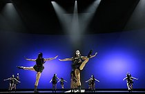 """""""At the Hawk's Well"""", ballet choreographed by Alessio Silvestrin. Direction : Hiroshi Sugimoto. Conductor : Ryoji Ikeda. Lights : Hiroshi Sugimoto. Costumes : Rick Owens. Opéra national de Paris ballet company. Actor : Kisho Umewaka. Paris, Opéra Garnier, on September 17, 2019. © Colette Masson / Roger-Viollet"""