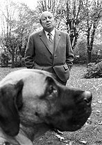 Marcel Carné (1906-1996), French film director and scriptwriter in his property in Clamart (Hauts-de-Seine, France), 4 November 1970. Photograph by André Perlstein (born in 1942). © André Perlstein / Roger-Viollet