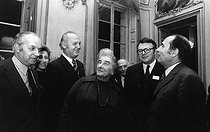 Golda Meir (1898-1978), Irsraelian politician and first Minister of the Israeli State, visiting the Sénat, with (from left to right): Claude Estier (1925-2016), French journalist and politician, Anker Jorgensen, (1922-2016), Danish politician, Pierre Mauroy (1928-2013) and François Mitterrand (1916-1996), French politicians. Paris (VIth arrondissement), 13 January 1973. Photograph by André Perlstein (born in 1942). © André Perlstein / Roger-Viollet
