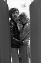 """Roman Polanski (born in 1933), French-born Polish actor, theatre and opera director, producer and scriptwriter, with his wife Sharon Tate (1943-1969), after the release of his movie """"Rosemary's Baby"""" with which he won the Oscar for best adapted screenplay. Paris (VIth arrondissement), rue des Beaux Arts, 25 October 1968. Photograph by André Perlstein (born in 1942). © André Perlstein / Roger-Viollet"""