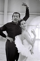Serge Lifar (1905-1986), Franco-Russian dancer and choreographer, rehearsing with Noëlla Pontois (born in 1943), lead dancer of the Paris Opera, at the Opéra Garnier. Paris (IXth arrondissement), 30 March 1977. Photograph by André Perlstein (born in 1946). © André Perlstein / Roger-Viollet