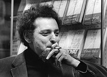 Georges Perec (1936-1982), French writer and producer of crosswords. Paris, 18 April 1969. Photograph by André Perlstein (born in 1942). © André Perlstein / Roger-Viollet