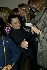Azzedine Alaïa (1935-2017) styliste et couturier franco-tunisien et Carine Roitfeld (née en 1954), journaliste, styliste, et mannequin française lors de la soirée Calvin Klein. Paris, octobre 2002. © Gauthier Gallet / Roger-Viollet