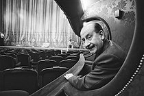 Pierre Dux (1908-1990), French actor, director, administrator of the Comédie Française and manager of the Théâtre de l'Odéon. Comédie Française, Paris, 14 October 1976. Photograph by André Perlstein (born in 1942). © André Perlstein / Roger-Viollet