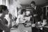 Paul-Loup Sulitzer (né en 1946), homme d'affaire et écrivain français, dans son bureau. Photographie d'André Perlstein (né en 1942). Paris, 6 novembre 1969. © André Perlstein / Roger-Viollet
