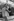 Jean Tiberi (né en 1935), magistrat et homme politique français et Lucien Dalsace (1893-1980), acteur français. Photographie d'André Perlstein (né en 1942). Paris, 1968. © André Perlstein / Roger-Viollet