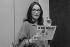 Nana Mouskouri (née en 1934), chanteuse grecque. Big Bingo France-Soir. 12 juin 1985. © Carlos Gayoso / Roger-Viollet