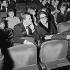 Nana Mouskouri (née en 1934), chanteuse grecque et son mari, Geórgios Petsilás, musicien et producteur. Paris, Olympia, décembre 1963. © Studio Lipnitzki / Roger-Viollet