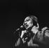 Nana Mouskouri (née en 1934), chanteuse grecque. Paris, Olympia, octobre 1969. © Patrick Ullmann / Roger-Viollet