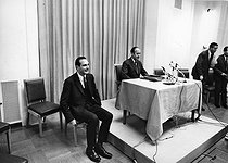 Jacques Chirac (1932-2019) and Valéry Giscard d'Estaing (born in 1926), French politicians, during a meeting, 1969. Photograph by André Perlstein (born in 1942). © André Perlstein / Roger-Viollet