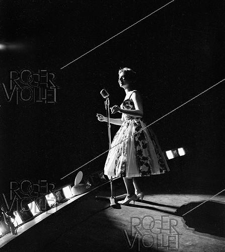 Roger-Viollet | 233440 | Annie Cordy (born in 1928), Belgian actress and singer. | © Noa / Roger-Viollet