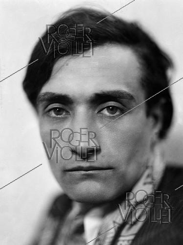 Roger-Viollet | 916465 | Antonin Artaud (1896-1948), French writer. France, around 1930. | © Henri Martinie / Roger-Viollet