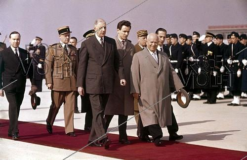 Roger-Viollet | 442707 | General Charles de Gaulle and Nikita Khrushchev. On the left, Michel Debré. Orly (Val-de-Marne), March 1960. | © Roger-Viollet / Roger-Viollet