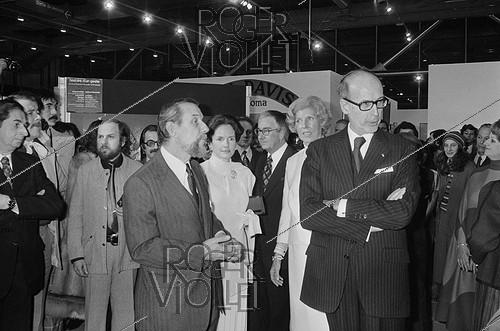 Roger-Viollet | 507469 | Inauguration of the Pompidou Centre, in the presence of Valéry Giscard d'Estaing, President of the French Republic, his wife and Mrs Claude Pompidou. Paris, 1977. | © Jacques Cuinières / Roger-Viollet