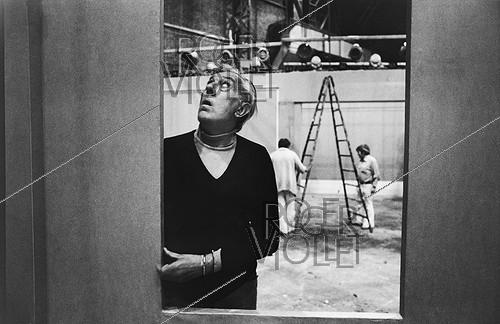 Roger-Viollet | 1063976 | Jacques Tati (1907-1982), French actor and director, at the studios of Boulogne-Billancourt (France), on April 23, 1974. | © Jean-Pierre Couderc / Roger-Viollet