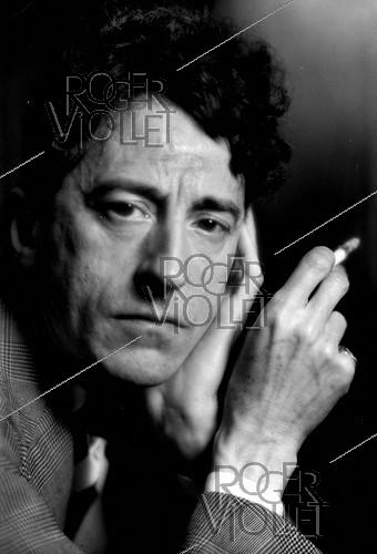 Roger-Viollet | 1033574 | Jean Cocteau (1889-1963), French writer, dramatist and director, in 1939. | © Laure Albin Guillot / Roger-Viollet