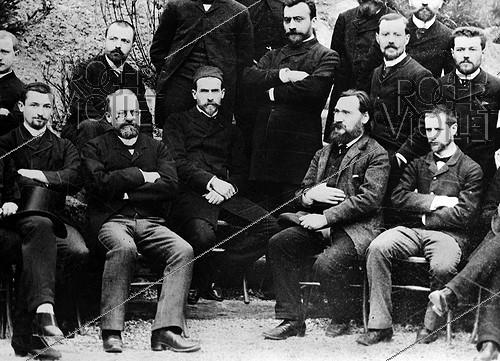 Roger-Viollet | 173109 | Members of the Pasteur institute. From left to right: Alphonse Laveran (1845-1922), French army doctor and scientist, Louis Pasteur (1822-1895), French chemist and biologist, Emile Roux (1853-1933), French bacteriologist, Illia Illitch Metchnikov (1845-1916), Russian zoologist and biologist, and Alexandre Yersin (1863-1943), Swiss-born French bacteriologist. | © Albert Harlingue / Roger-Viollet