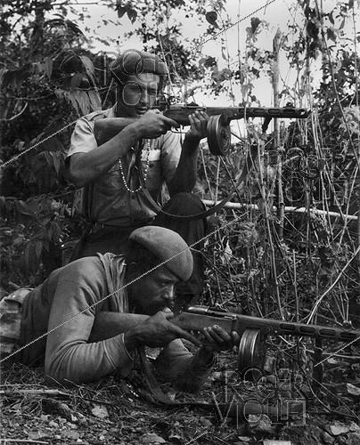 Roger-Viollet | 461721 | Militiamen fighting counter-revolutionary groups. Cuba, 1960-1964. | © Gilberto Ante / BFC / Roger-Viollet