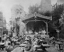 Roger-Viollet | 643774 | Open-air terrace of the Moulin Rouge cabaret. Paris, circa 1880. Photograph by Girot. | © Collection Roger-Viollet / Roger-Viollet