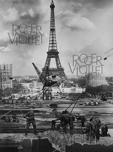 Roger-Viollet | 596513 | Preparations for the 1937 World Fair in Paris. | © LAPI / Roger-Viollet