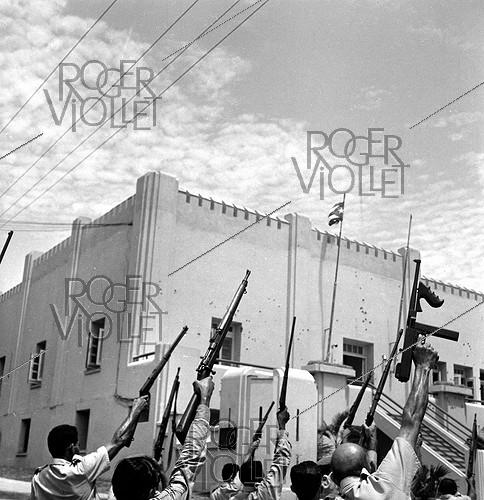 Roger-Viollet | 199627 | Reconstruction of the attack on the Moncada barracks which Fidel Castro tried to take on July 26, 1953. Santiago de Cuba (Cuba). | © Gilberto Ante / Roger-Viollet