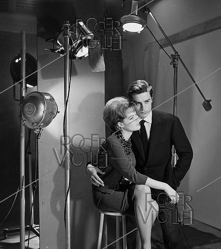 Roger-Viollet | 268893 | Romy Schneider (1938-1982), Austrian actress, and Alain Delon (born in 1935), French actor. | © Roger-Viollet / Roger-Viollet