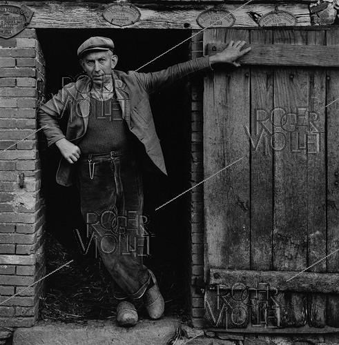 Roger-Viollet | 778431 | Shepherd from Limousin. 1958. Photograph by Janine Niepce (1921-2007). | © Janine Niepce / Roger-Viollet