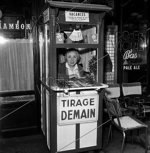 Roger-Viollet | 893255 | Ticket seller of the national lottery. Paris, 1956. | © LAPI / Roger-Viollet