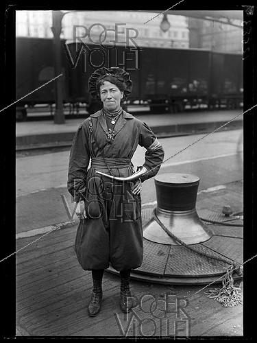 Roger-Viollet | 565838 | World War One. New jobs for women since the beginning of the war: line guard at the Gare du Nord train station. Paris, June 1917. | © Excelsior - L'Equipe / Roger-Viollet