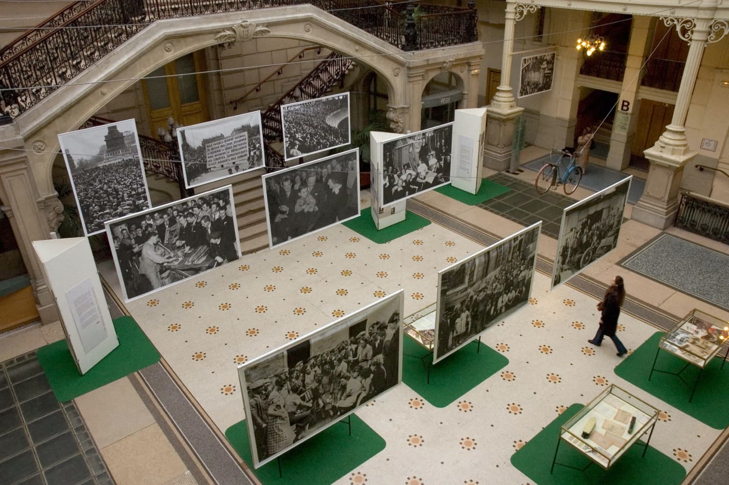 """70 years of the Popular Front"" at the town hall of the 18th arrondissement, Paris. © Dominique Lecourt / Roger-Viollet"