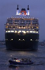 "Arrivée du paquebot de luxe ""Queen Mary 2"". Hambourg, 1er juin 2005. Photo : Sawatzki. © Ullstein Bild / Roger-Viollet"