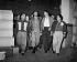 Che Guevara (Ernesto Rafael Guevara, 1928-1967), révolutionnaire cubain d'origine argentine, avec son épouse Aleida March (née en 1936), dans l'usine de textile Griguanabo Baula. Ariguanabo (Cuba), 1959. © Gilberto Ante / BFC / Gilberto Ante / Roger-Viollet