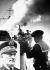 Guerre 1939-1945 - marine française, photomontage de l'Amiral Darlan sur fond d'un marin actionnant sa mitrailleuse à bord d'un navire de la flotte de Vichy, 1941. © LAPI/Roger-Viollet