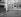 Montmartre, place du Tertre, à l'angle de la rue Norvins. Paris (XVIIIème arr.). Photographie de René Giton dit René-Jacques (1908-2003). Bibliothèque historique de la Ville de Paris. © René-Jacques/BHVP/Roger-Viollet